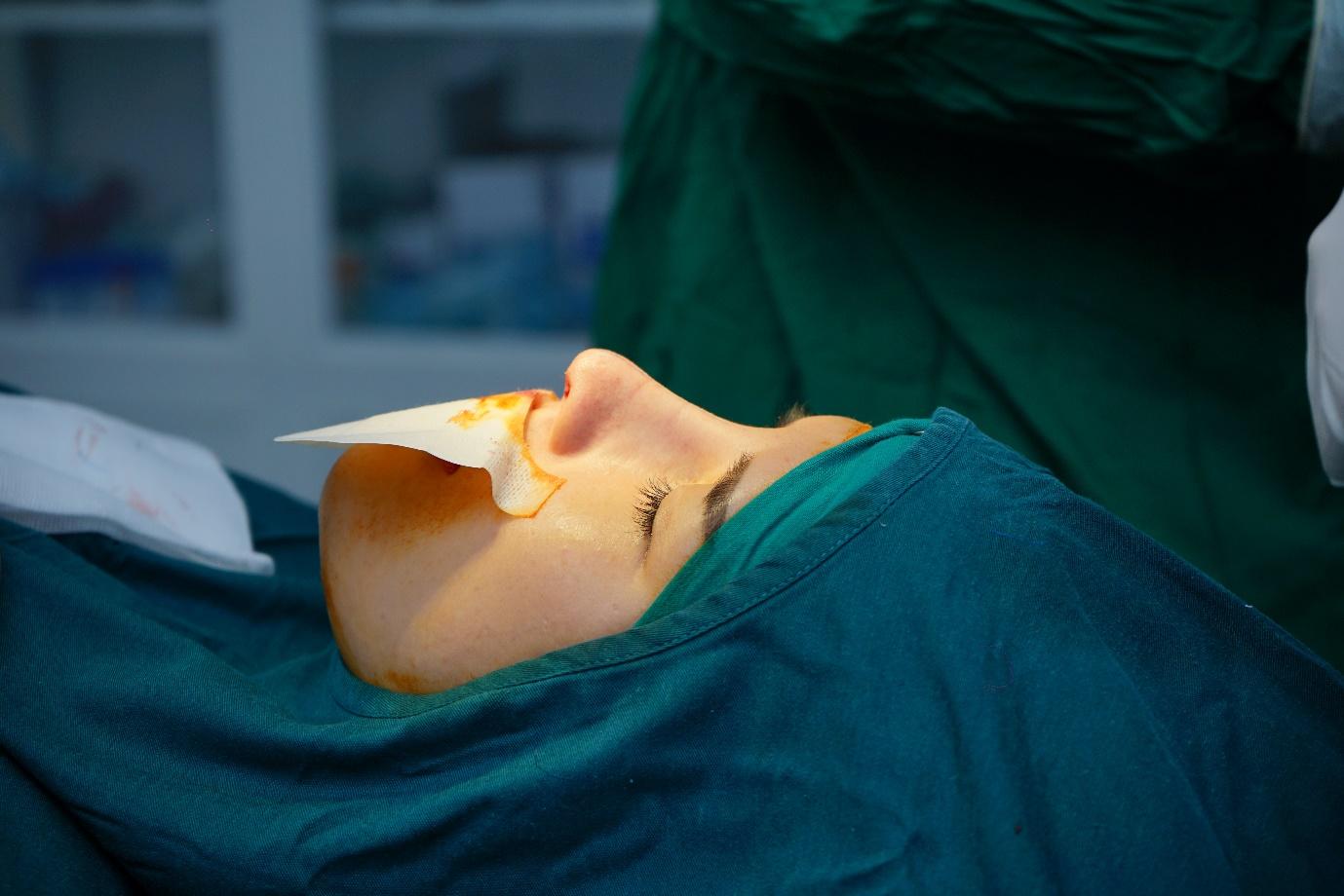 Kỹ thuật nâng mũi tiên tiến giúp bạn trải qua cuộc phẫu thuật nhẹ nhàng hơn.