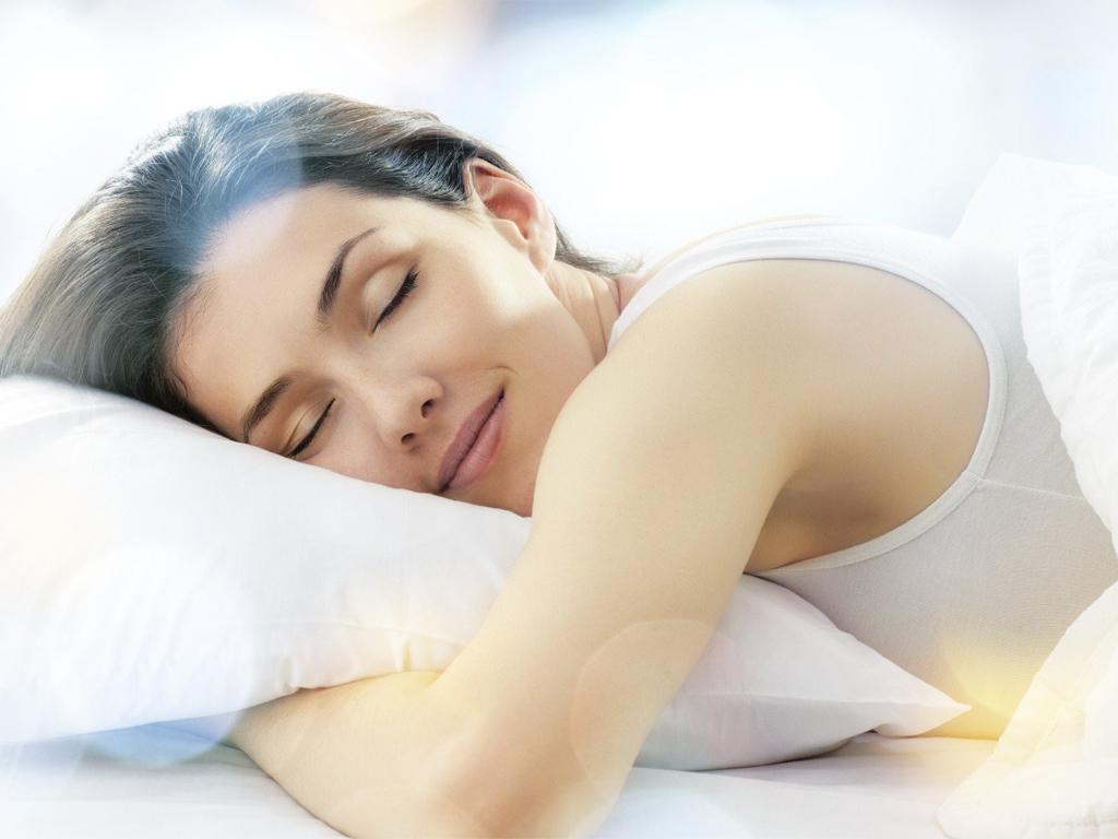 Ngủ đủ giấc cũng là cách giúp làn da khỏe hơn mỗi ngày